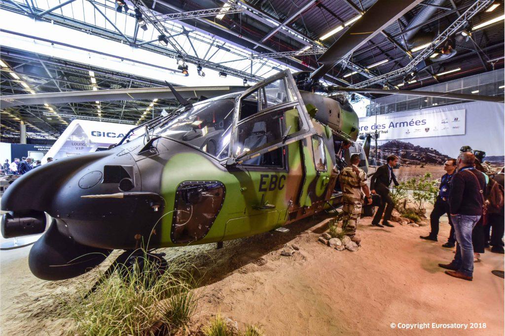 Présentation du nouvel hélicoptère NH90 au salon de la Défense